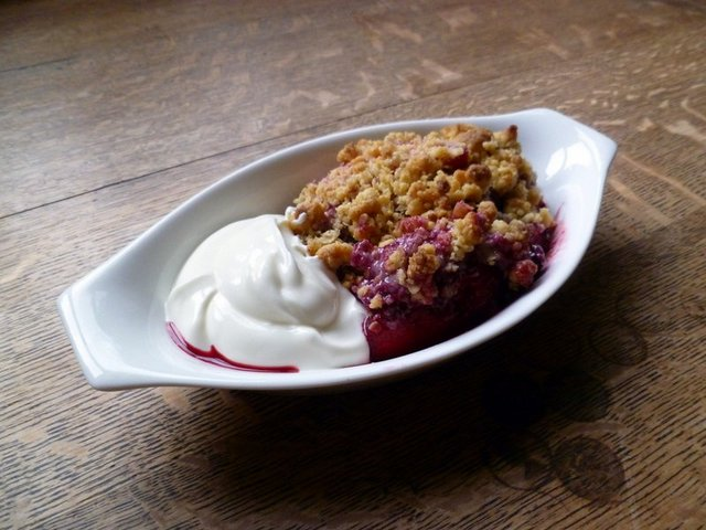 Apple-and-Blackberry-Crumble.jpg