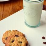 Golden Oat and Raisin Cookies