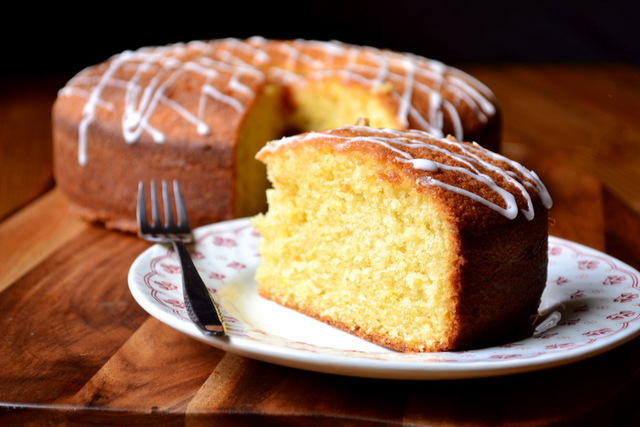 Recipes Using Lemon Drizzle Cake: Lemon Drizzle Cake - Frugalfeeding